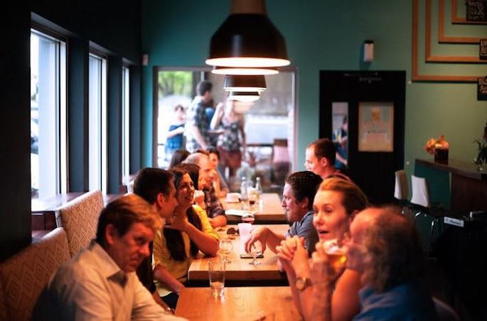 restaurant-people-eating2